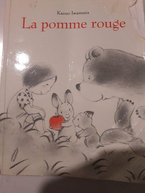 livre jeunesse enfant la pomme rouge kazuo iwamura ecole des loisirs japon français turc