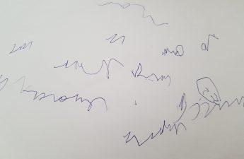 Gribouillis enfant écriture